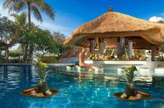 Bali is known for its bewitching landscape and also for the beautiful accommodations it offers to the guests, such as the Grand Mirage Resort.