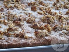 La Gata Curiosa: TORTA DE CHICHARRONES Plum Cake, Pan Dulce, Banana Bread, Cereal, Oatmeal, Meat, Chicken, Breakfast, Desserts