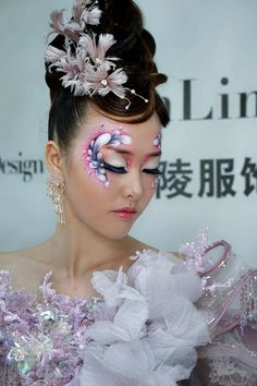 Avant-garde Face Painting Flowers, Face Painting Designs, Body Painting, High Fashion Hair, High Fashion Makeup, Glam Makeup, Makeup Art, Rhinestone Makeup, Eye Makeup Designs