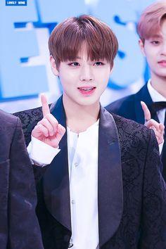 Wanna One 박지훈 (Park Jihoon) Produce 101, Solo Male, Weird Names, Cho Chang, Kim Jaehwan, Ha Sungwoon, Bts And Exo, Pop Bands, Seong