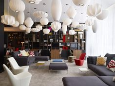 George Nelson Saucer Pendant Lamps - citizenM Hotel in London