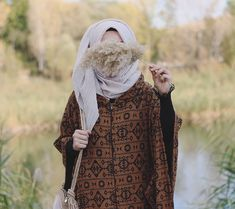 Uploaded by Find images and videos about hijab on We Heart It - the app to get lost in what you love. Lovely Girl Image, Girls Image, Niqab, Lonley Girl, Sad Girl Photography, Fashion Figure Templates, Muslim Women Fashion, Islam Women, Hijab Collection