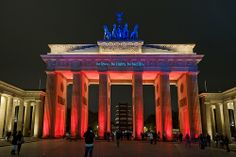 Brandenburger Tor /// Brandenburg Gate @ Berlin FESTIVAL OF LIGHTS 2009 (c) Festival of Lights / Christian Kruppa  #Berlin #FestivalofLights #BrandenburgerTor #BrandenburgGate