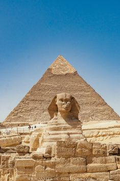 The Great Pyramids of Giza in Egypt - everything you need to know to plan your visit - The Pyramids of Giza with the famous Sphinx. Just one of the many things to do in Cairo, Egypt. Luxor, Egypt Culture, Great Pyramid Of Giza, Pyramids Of Giza, Egypt Travel, Cairo Egypt, Egypt Art, Photos Voyages, Beautiful Places To Travel