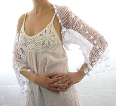 COTTON SHRUG ....Elegant Hand Knitted Summer Shrug in por Rumina
