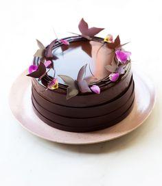 Entremet Tiramisù - In Love With Cake Chocolate Granola, Chocolate Hazelnut, Chocolate Rings, Chocolate Butterflies, Coconut Sugar, Cake Mold, Beautiful Cakes, Tray Bakes, Cake Decorating
