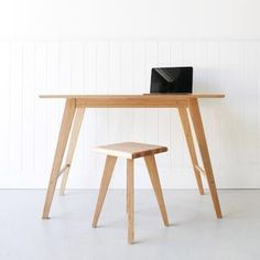 Tasmanian Oak Furniture Writing Desk Made in Noosa Australia - Modern Australian