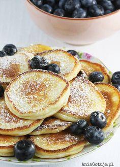 Placki z serków waniliowych Healthy Foods To Eat, Healthy Recipes, Wise Foods, Breakfast Recipes, Dessert Recipes, Comida Keto, Good Food, Yummy Food, Food Photo