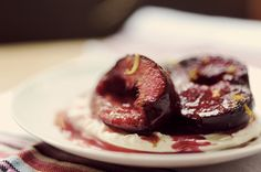 Roasted plums with vanilla marscarpone    The Kitchy Kitchen