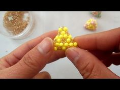 How to bead funny acceceroy: brown hub - YouTube