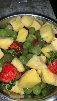 Healthy Snacks, Healthy Eating, Healthy Recipes, Snap Food, Food Snapchat, Food Goals, Aesthetic Food, Food Cravings, Food Photo