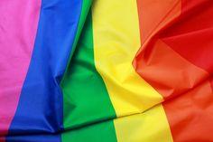 No dia 17 de maio, comemora-se o Dia Internacional Contra a Homofobia. Saiba como pequenas atitudes contribuem para erradicar o preconceito.