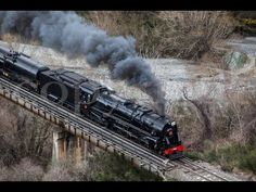 New Zealand's KA 942 Roars Through The Countryside! Train Engines, New Zealand, Countryside, Trains, Life, Train