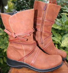 CLARKS-ARTISAN-WATERPROOF-Brown-Distressed-LEATHER-Low-Heel-Boots-7-M