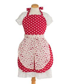 Perfect for cookie-baking marathons! Little ones can wear this sweet apron when helping out in the kitchen, all while creating days of fun and years of memories.