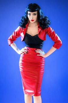 This 50s Deadly Dames Curves Skirt in Red Faux Leather by Pinup Couture loves your shape and is not afraid to show it!You'll feel like a total Deadly Dame when wearing this sassy skirt, just like the designer Micheline Pit! Stunning high waist fitted style which creates that gorgeous hourglass figure and hits below the knee with a height of 1.70m / 5'7'' (our redhead model Vanessa Frankenstein height: 1.65m / 5'5'). Made from lipstick red faux leather (doesn't ...