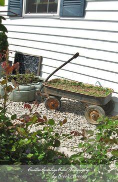 http://creativecountrymom.blogspot.com/2012/04/lets-call-it-garden-art.html