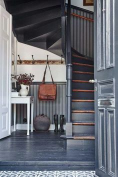 Ted's Woodworking Plans - All gray-blue painted floors, walls and doors Get A Lifetime Of Project Ideas & Inspiration! Step By Step Woodworking Plans Painted Stairs, Painted Floors, Painted Staircases, Wood Walls, Interior And Exterior, Interior Design, Grey Exterior, Interior Paint, Exterior Stairs