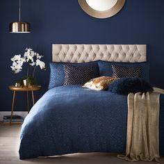 Midnight Blue Bedroom, Blue And Gold Bedroom, Dark Blue Bedrooms, Blue Master Bedroom, Navy Bedrooms, Blue Bedroom Decor, Blue Rooms, Blue Bedroom Colors, Bedroom Ideas