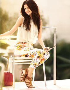 Me encanta su combinación, Selena Gomez's outfit.