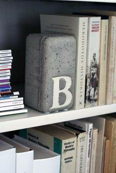 bogstøtte i cement