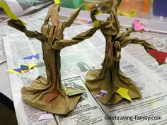 Fall or Halloween Craft Paper Bag Trees -- I love this idea!  Scary old trees always look good with Halloween decorations.