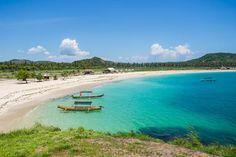 The incredibly beautiful Tanjung Aan Beach Lombok
