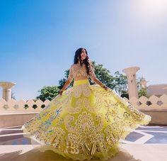 Best Bridal Lehenga designs this wedding season! Indian Wedding Outfits, Bridal Outfits, Indian Outfits, Indian Clothes, Indian Weddings, Bridal Dresses, Bollywood Lehenga, Lehenga Choli, Saree