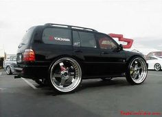 40 inch Chrome wheels, talk about a pimped out pimp my ride.