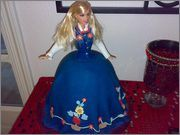 KakeGlede :: Vis Temaet - Karimaris konfirmasjonskaker Barbie Cake, Barbie Dolls, Doll Cakes, Creative Food, Norway, Cupcakes, Drink, Inspiration, Shopping