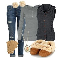 Fall outfit, are those shoes or slippers?? So comfy if they are actually able to be worn outside!