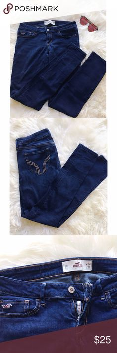 🆕 Hollister Super Skinny Jeans In perfect condition. Bottoms aren't frayed at all, no sign of wear. Hollister Jeans Skinny
