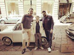Il nuovo trio.... #aldogiovanniegiacomo #agg #milano #solferino #viasolferino #slowear #instagram #instafamous #instavip #visticonte  by jf30jf #tailrs