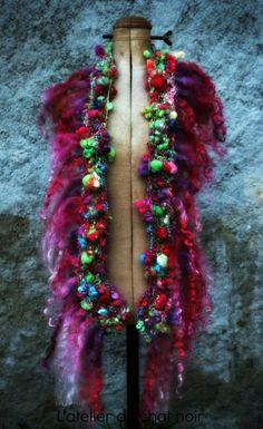 LOLLYBOP écharpe sauvage tricotée en laine par LAtelierduChatNoir, $115,00