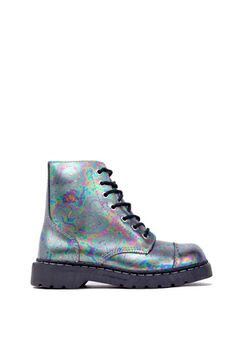 Channel your inner 90's Girl with the Anarchic by T.U.K. Leather 7 Eye Boot | ShopAKIRA | AKIRA Chicago | October Footwear Arrivals | oil slick boot | holographic boot | hologram | ANARCHIC by T.U.K. | Combat Boots | Colored Combat Boots | Women's Boots | Work Boots