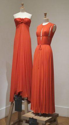 especially in terms of Design Madame Gres, Fashion Sewing, Fashion Fabric, Retro Fashion, Vintage Fashion, Vintage Outfits, Vintage Dresses, Couture Mode, Couture Fashion