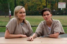 #OITNB Season 3 OHMYGOD OHMYGOD NO NO NO... THEY CAN'T BE SEEN TOGETHER! NOOO!!!