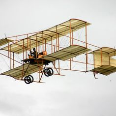 Get Bristol Boxkite photos and images from Picfair. Find high-quality stock photos that you won't find anywhere else. Hermanos Wright, Old Planes, Model Airplanes, Staircases, Bristol, Aviation, Aircraft, Photograph, British