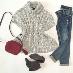 StylishPetite.com | Cable knit poncho sweater cape, essex camera bag, Vince Camuto franell ankle booties, Vigoss dublin distressed skinny jeans, Fall outfit,