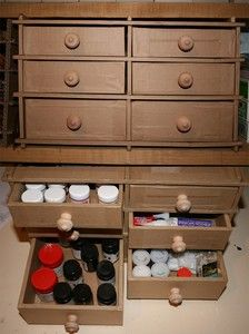 Tutorial to make a cardboard storage--in french. Google can translate. armoire_a_tiroir