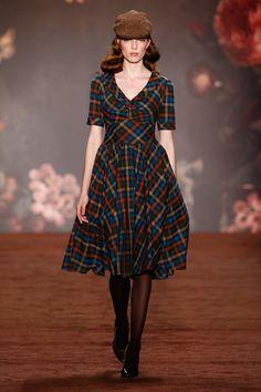 Lena Hoschek, Berlin Fashion Week, Autumn / Winter Fashion - All About Tartan Fashion, Moda Fashion, Retro Fashion, Trendy Fashion, Fashion Show, Womens Fashion, Fashion Trends, Fashion 2016, Berlin Fashion