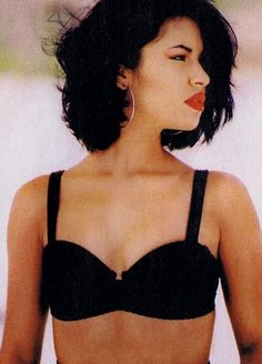 Selena NOT Gomez, lol Selena Quintanilla had such a beautiful soul and an undeniably wonderful voice Selena Quintanilla Perez, Divas, Corpus Christi, Big Chop, Stage Outfit, Hair Colorful, Boho Chic, Jackson, Babe