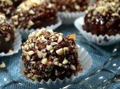 The most delicious homemade chocolates Candy Recipes, Raw Food Recipes, Sweet Recipes, Dessert Recipes, Party Desserts, Just Desserts, Sweet Potato Breakfast, Cake Truffles, Diy Truffles