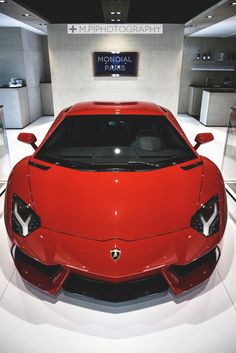 themanliness: Red Aventador | Source | MVMT | More