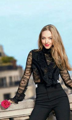 10 Things You Didn't Know about Amanda Seyfried – Celebrities Female Mamma Mia, Beautiful Celebrities, Beautiful Actresses, Givenchy, Blonde Actresses, Jenifer Lawrence, Actrices Hollywood, Celebrity Moms, Celebrity Photos