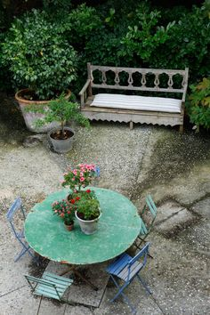 garden table. isabel lopez-quesada