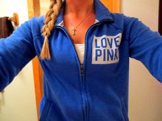 Duke Blue Devil colors right there! Cute Gym Outfits, Pink Outfits, Summer Outfits, Cheap Athletic Wear, Athletic Outfits, Victoria Secret Outfits, Victoria Secret Pink, Victoria Secrets, Pink Sweater