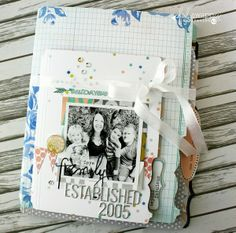 *Heidi Swapp* Memory File album - family memories - Two Peas in a Bucket