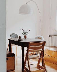 My Happy Place | SoLebIch.de Foto: Nininotschka #solebich #esszimmer #ideen  #Wandgestaltung #skandinavisch #tisch #einrichtung #sitzbank #stühle  #stuhlmix ...