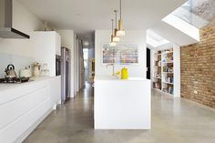 Rise Design Studio adds glass extension to London house Kitchen Diner Extension, Open Plan Kitchen, Kitchen Extension With Toilet, Kitchen Ideas, Architecture Design, Contemporary Architecture, Design Studio, House Design, White Kitchen Appliances